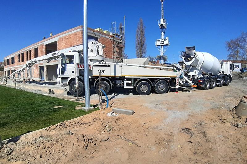 beton-szczecin-betoniarka-na-budowie